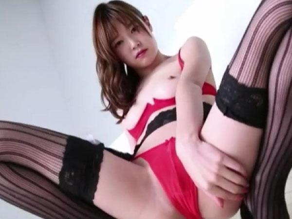 清純素肌の極上NUDE/衛藤ひかり