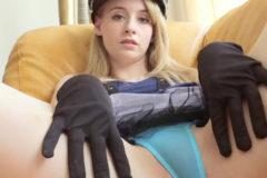 ジェマ|大ブレイクした金髪色白美少女が極薄下着&暗転モザで限界過激着エロ!